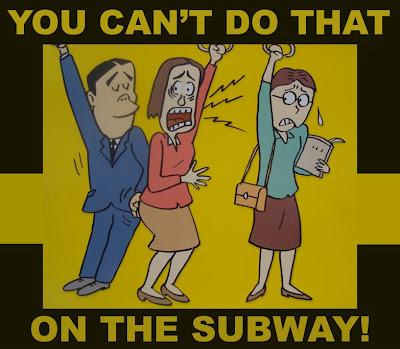Bilde av mann som beføler ei dame på T-banen.